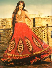 Bright-Red-Anarkali-Frock-With-Embellished-Dupatta4