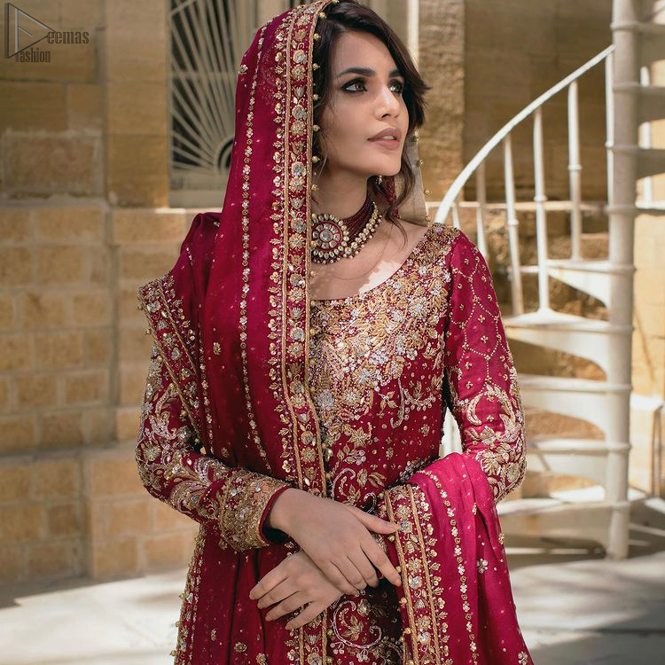 The shirt follows an exquisite Lehenga and a Dupatta that perfects the dress style.