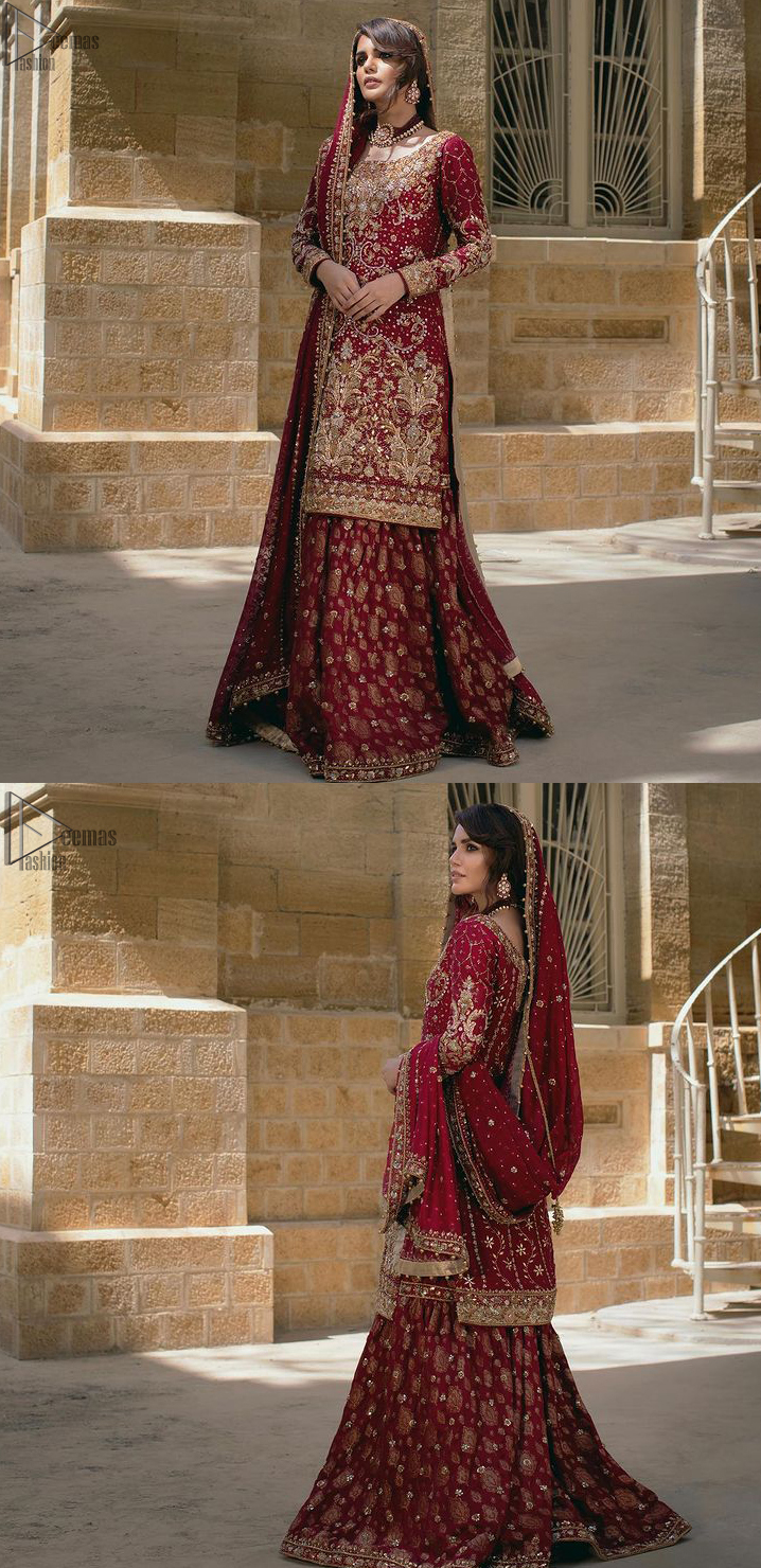 Not to forget, a splendid work of golden and silver embroidery is a necessity to beautify the basic look.