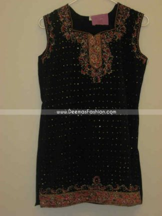 Pakistani Ladies Black Embroiderd Kurta Fashion