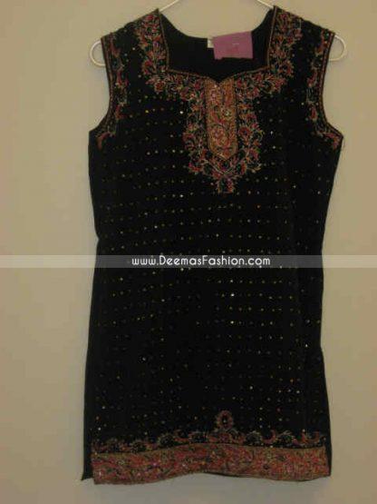Pakistani Ladies Black Embroiderd Kurta Fashion