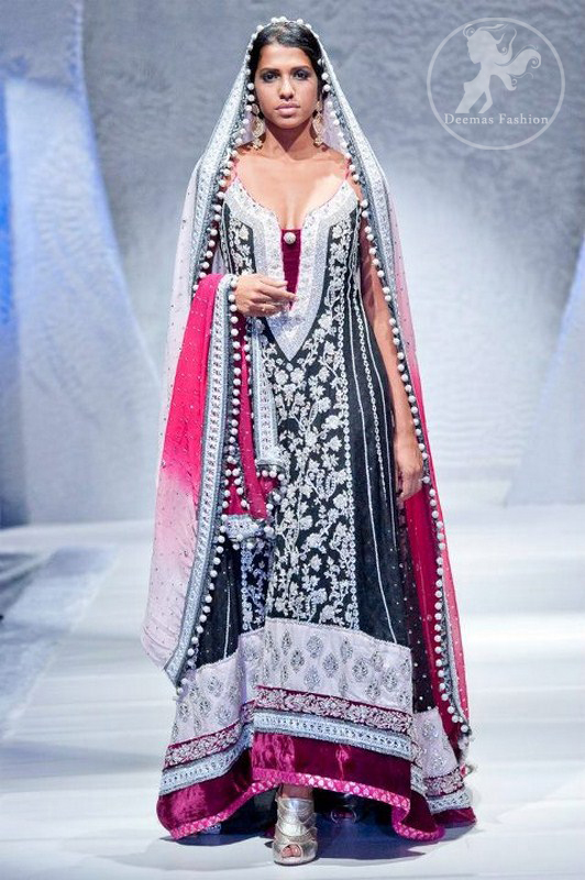 Deep-red-black-heavy-formal-back-trail-pishwas-with-embroidered-dupatta