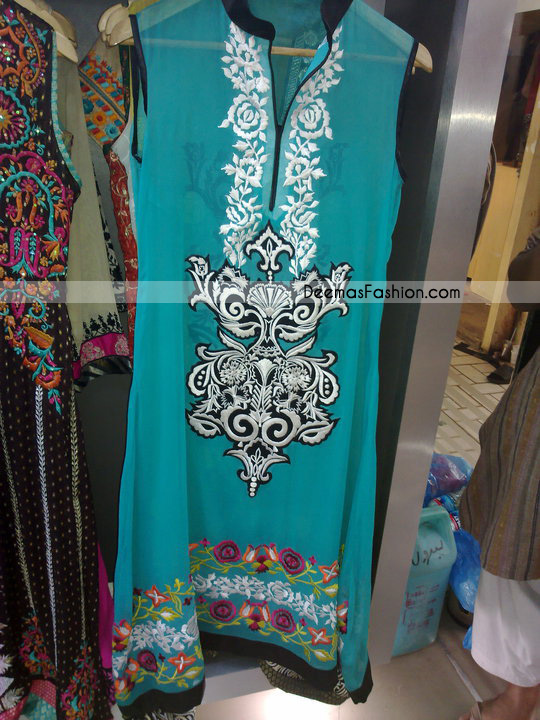 Latest Casual Clothes – Ferozi Embroidered Dress