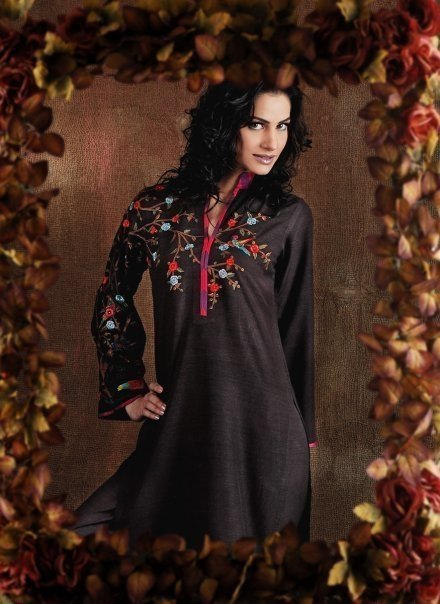 Pakistani Ladies fashion Wear – Black Long Kurta Dress