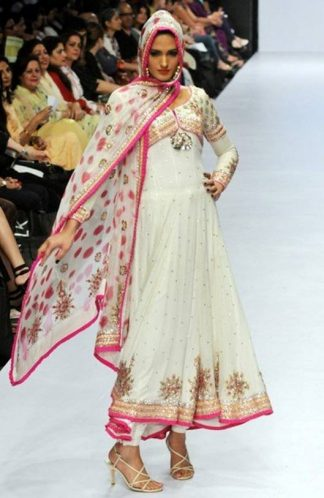 Latest Designer Wear - White & Pink Pishwas
